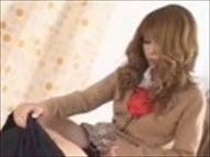 <ギャル動画>制服姿の金...
