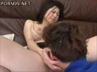 <モザ無>沢村麻耶 キモチいいくんにに男の頭を抑え極太オチンチンに感じまくる美人妻
