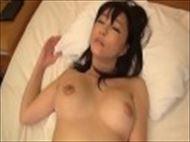 <人妻動画>昼間は真面目...